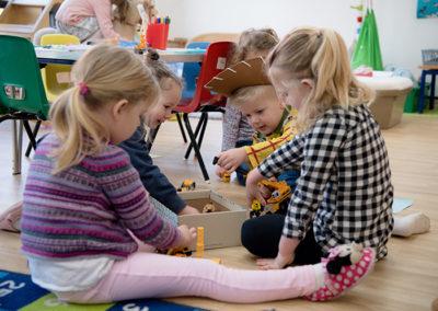 Syresham Nursery Children Image 6